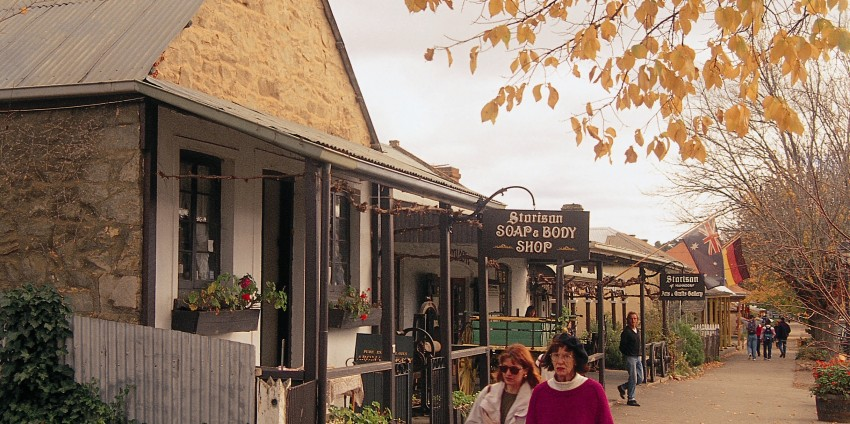 What Towns are worth seeing in the Barossa Valley?